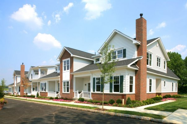 Off-site Construction Capitalizes on Custom Luxurious Features Inside and Out